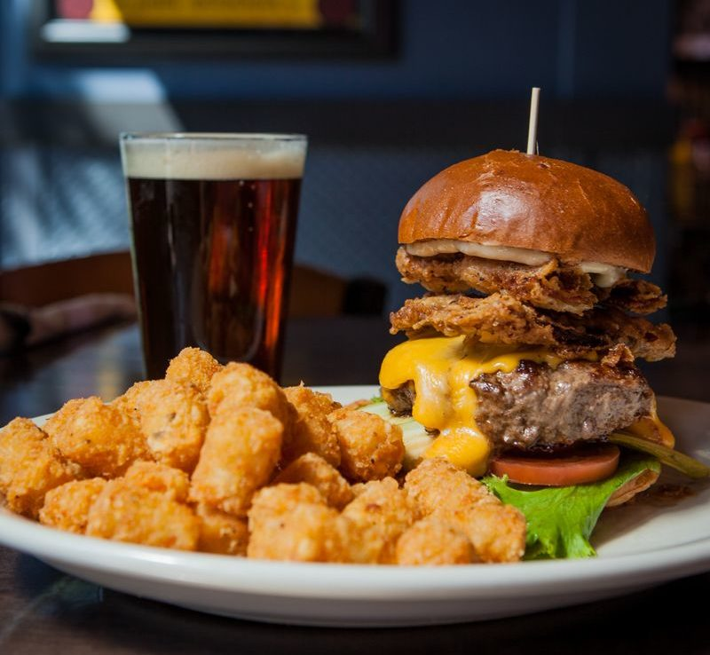 Bad-Daddys-Burger-Bar-Makes-Its-Tennessee-Debut